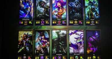 T1, EDward Gaming advance from Group B in LOL Worlds